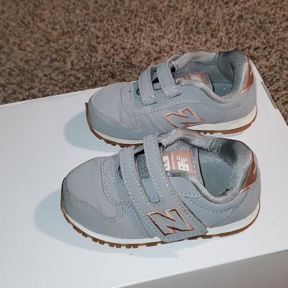 Very Cute New Balance Shoes   Poshmark
